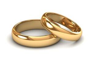 zwei goldene Eheringe